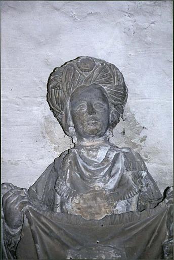 Statue : sainte Véronique, partie haute du corps