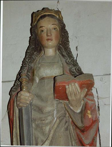 Statue : sainte Catherine d'Alexandrie, vue rapprochée