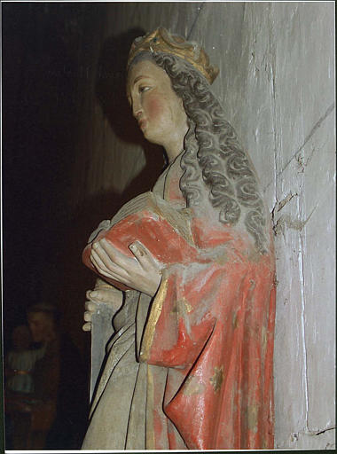 Statue : sainte Catherine d'Alexandrie, côté droit