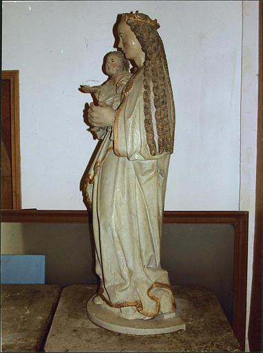 Statue : Vierge à l'Enfant, côté gauche