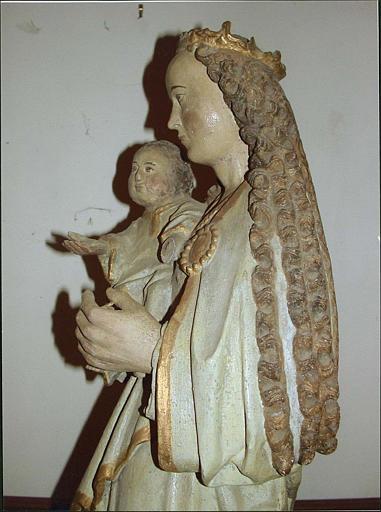 Statue : Vierge à l'Enfant, côté gauche, détail