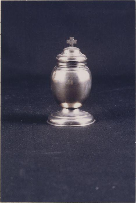 ampoule aux saintes huiles (chrémeau)
