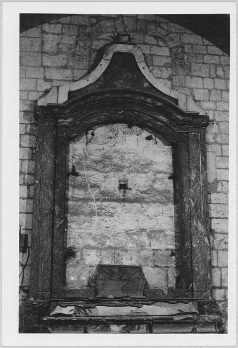 Autel et retable de la chapelle latérale de Saint-Sébastien