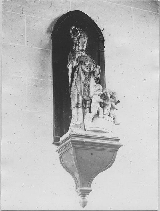 groupe sculpté : Saint Nicolas