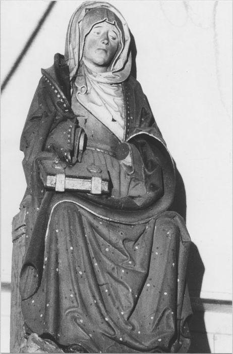 statue : Sainte Anne assise