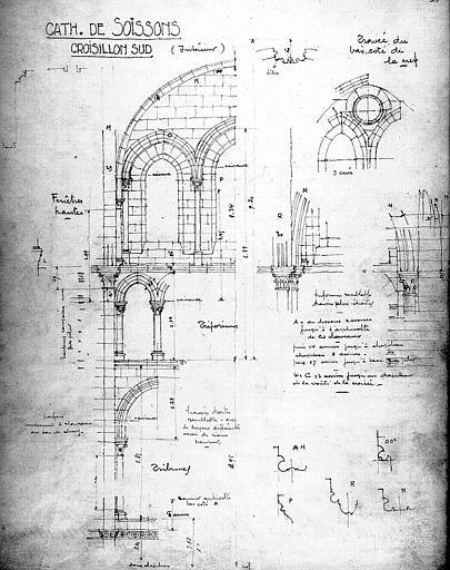 Elévation du croisillon sud (intérieur et travée du bas-côté de la nef) avec relevé des mesures