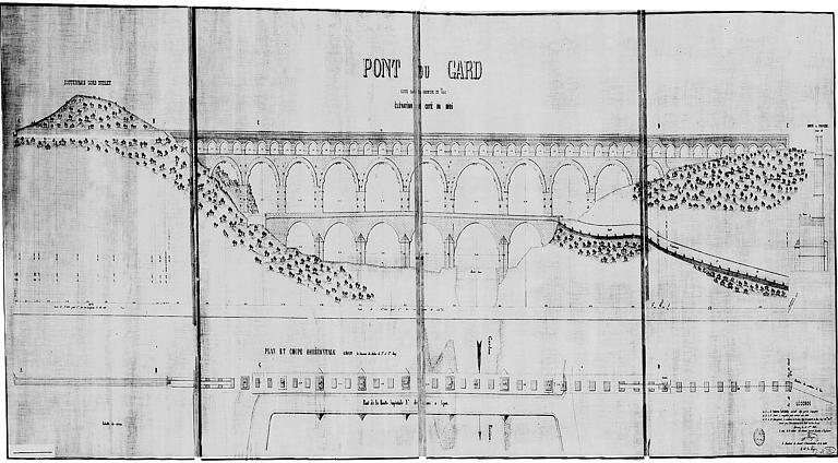 Plan et coupe horizontale suivant la naissance des arches des 2e et 3e rangs
