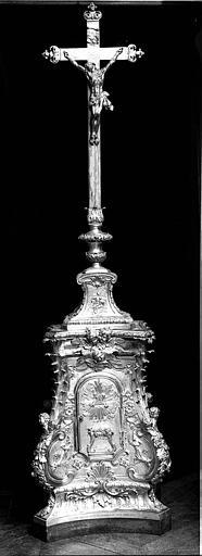 Croix d'autel en bronze doré