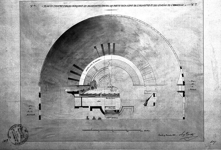 Découvertes faites de la partie de partie de la scène de l'orchestre et des gradins de l'hémicycle : Plan (planche n° 7)