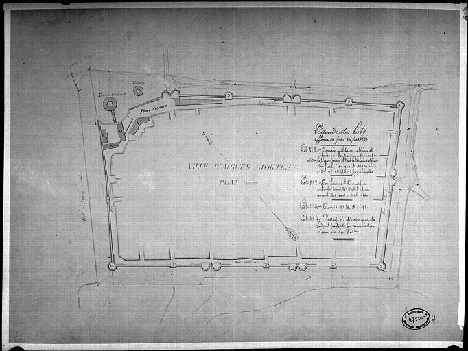 Plan aquarellé des affinages des terrains et bâtiments militaires