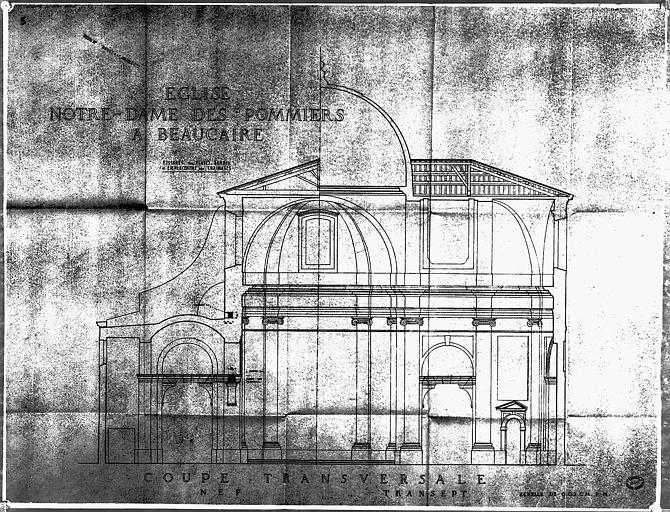 Coupe transversale de la nef et du transept