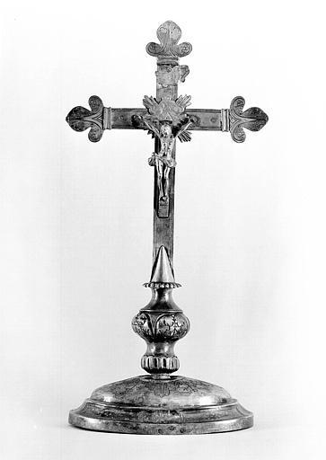 Croix d'autel en argent