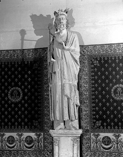 Statue de Roi provenant du transept nord