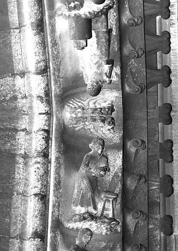 Portail du transept nord, partie centrale de la voussure (à l'est de la rose)