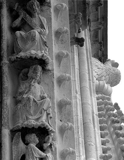 Portail du transept nord, 6e sujet de la voussure (à l'ouest de la rose)