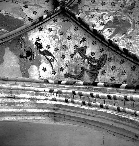 Peinture murale de la voûte de la chapelle nord : Le taureau et saint Luc