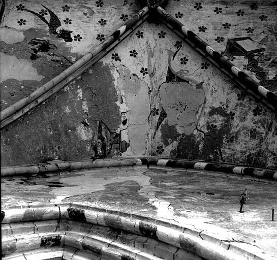 Peinture murale de la voûte de la chapelle nord : L'ange et saint Matthieu