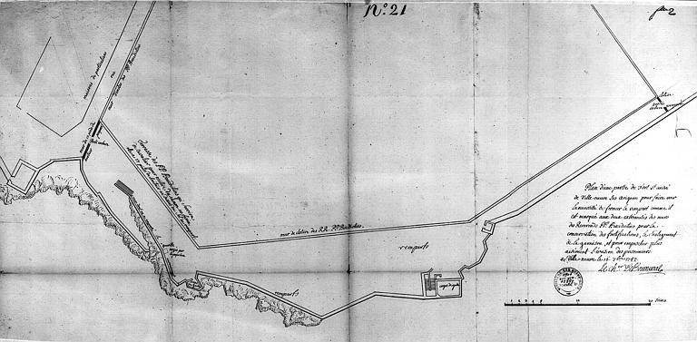 Plan d'une partie de l'enceinte (n° 21) montrant la nécessité de fermer le rempart