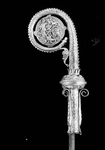 Crosse épiscopale en cuivre émaillé  et doré