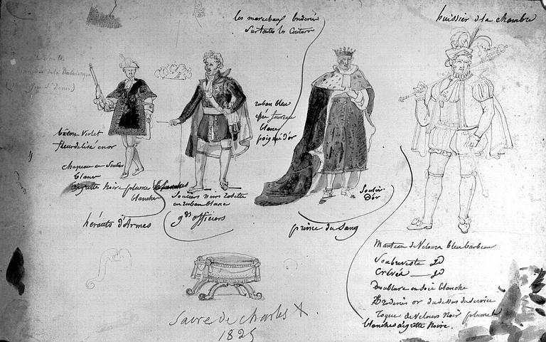 Dessin au crayon et aquarelle : Costumes du héraut d'armes, d'un grand officier, d'un prince de sang, d'un huissier de la chambre, et croquis d'un tabouret (Sacre de Charles X)
