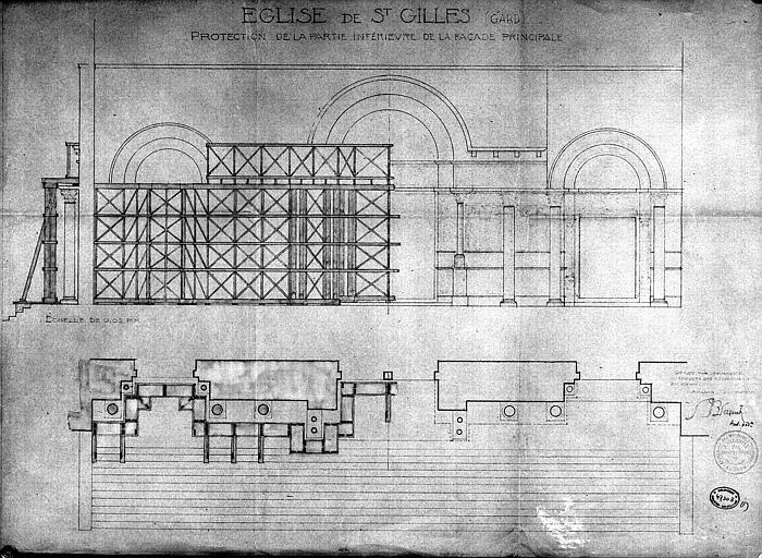 Protection de la partie inférieure de la façade principale : Coupe et plan