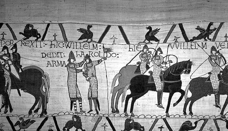 Tapisserie de Bayeux (avers),  27B : Guillaume armant chevalier Harold, ils sont debout sur le champ de bataille