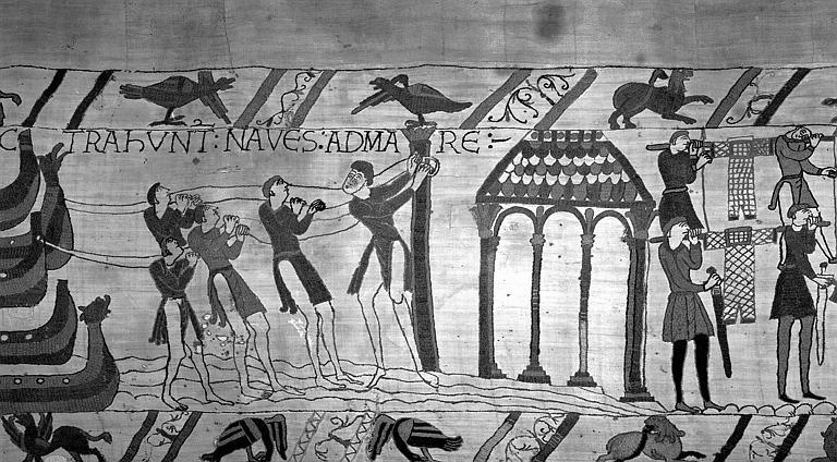 Tapisserie de Bayeux (avers),  41B : Navires halés vers la mer, chargement des bateaux
