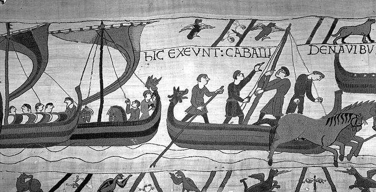 Tapisserie de Bayeux (avers),  49B : Arrivée des bateaux normands en Angleterre à Pevensey, débarquement des chevaux, on ramène les voiles et on démonte le mat
