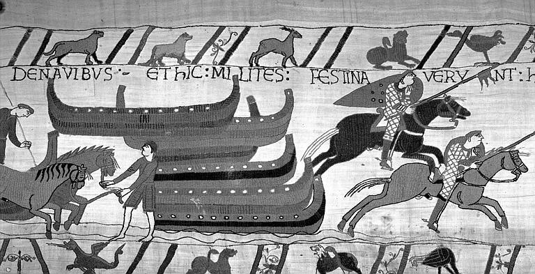 Tapisserie de Bayeux (avers),  50B : Bateaux dématés et accostés, cavaliers en cotte de mailles
