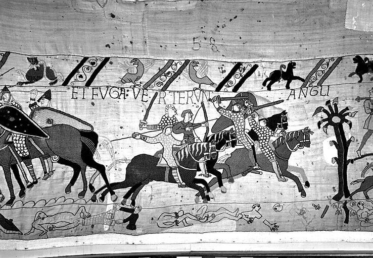 Tapisserie de Bayeux (avers),  82B : Anglais prend la fuite, Guillaume remporte la victoire à Hastings