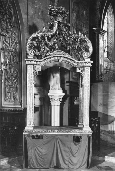 exposition (pavillon pour la procession des reliques) de saint Alpinien