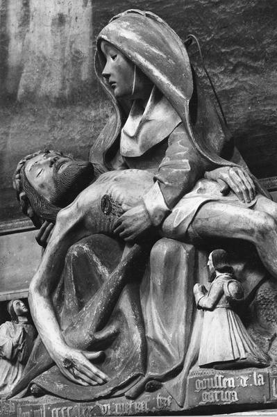 groupe sculpté (demi-nature) : la Vierge de Pitié