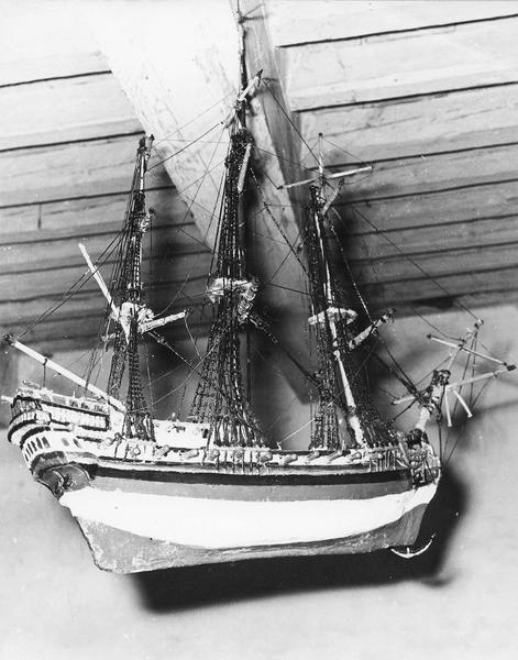 ex-voto, maquette : navire de la confrérie des mariniers de Moissac