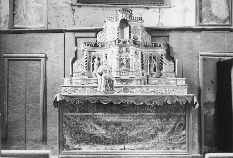 gradin, tabernacle, retable, antependium, statue : Vierge de pitié