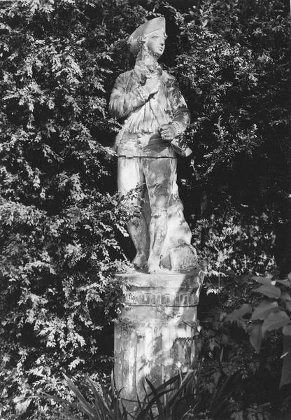 statue : bergère