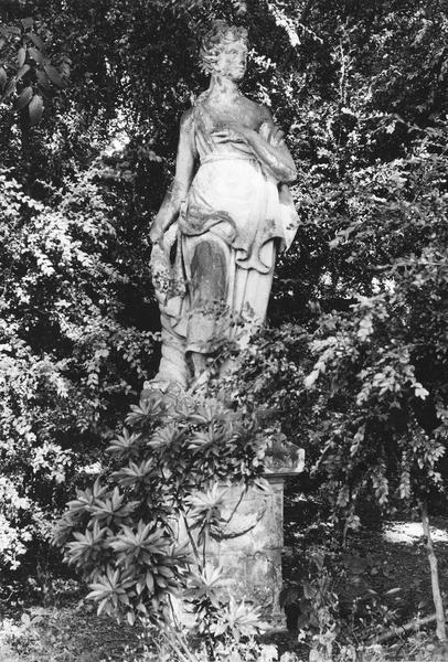statue : Pomone