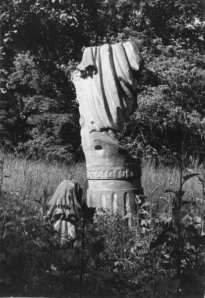 Statue : l'Hiver