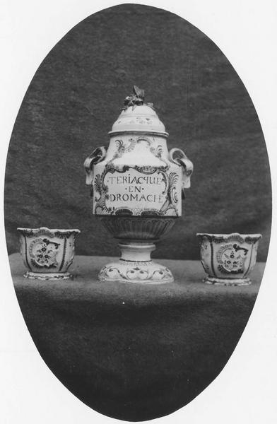 vase décoratif (à thériaque)