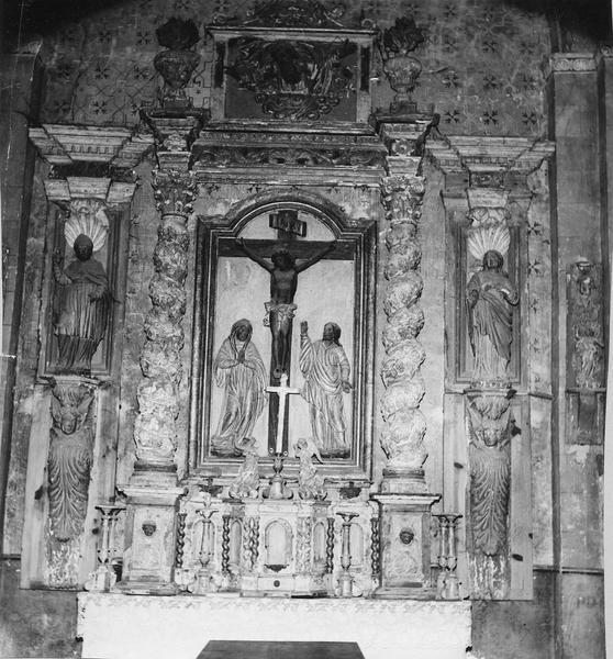 retable, tabernacle, bas-relief, deux statues (retable architecturé) : calvaire