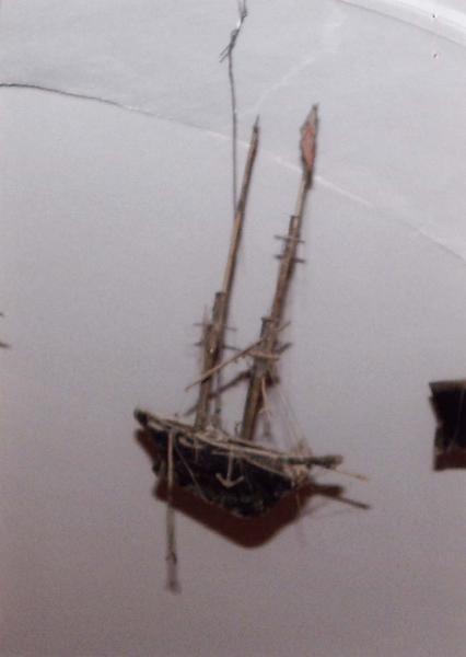 Ex-voto 73 : Maquette d'un navire, vue générale