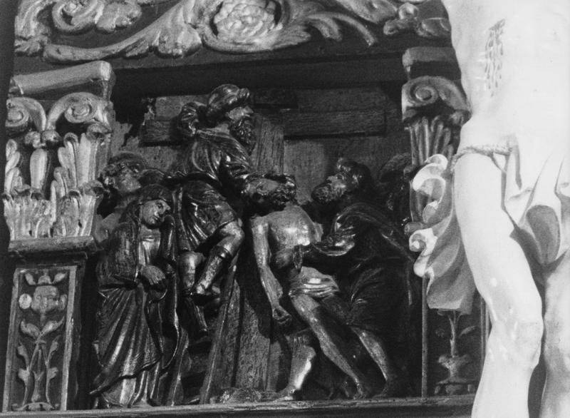 Bas-relief : Déposition de croix, vue générale