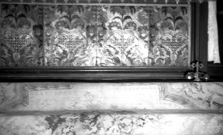 Devant d'autel en cuir polychrome