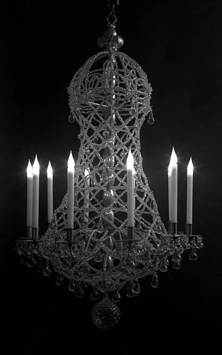Lustre en cristal en forme de pannier d'époque Louis XIV