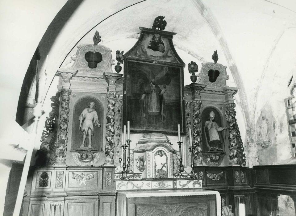 Maître-autel, retable, tabernacle, statues : Saint Jean-Baptiste et Saint évêque (Saint Renobert ?), tableau : Saint évêque
