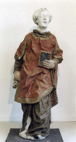 statue : saint Vincent, vue de face
