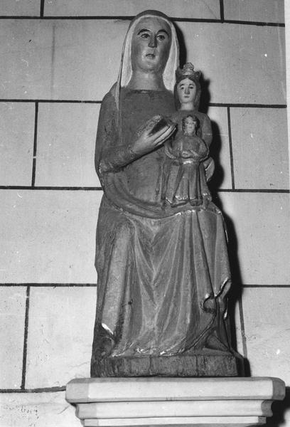 groupe sculpté : Sainte Anne la Vierge à l'Enfant