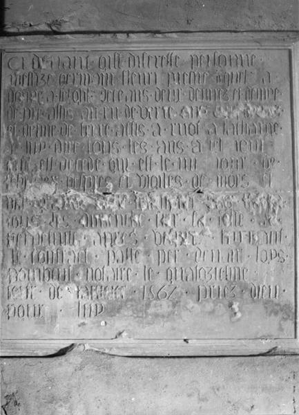 plaque commémorative de fondations du prêtre G. Fleury