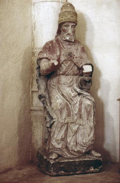 statue : saint Pierre, pape
