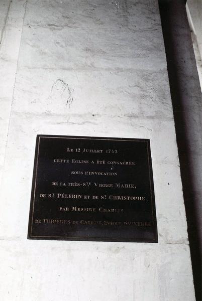 plaque commémorative de la consécration de l'église