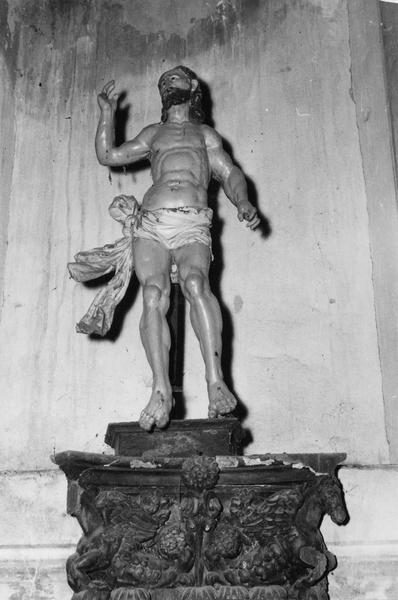 statue : Le Christ ressuscité